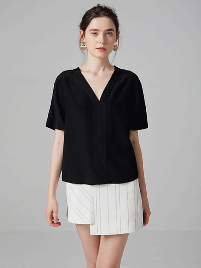Contrast Pleat V-neck Half Sleeve Silk Tee丨Unisize、Real Silk Life