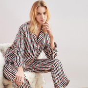 19 Momme High Quality Black White Printed Long Silk Pajamas Set、Real Silk Life