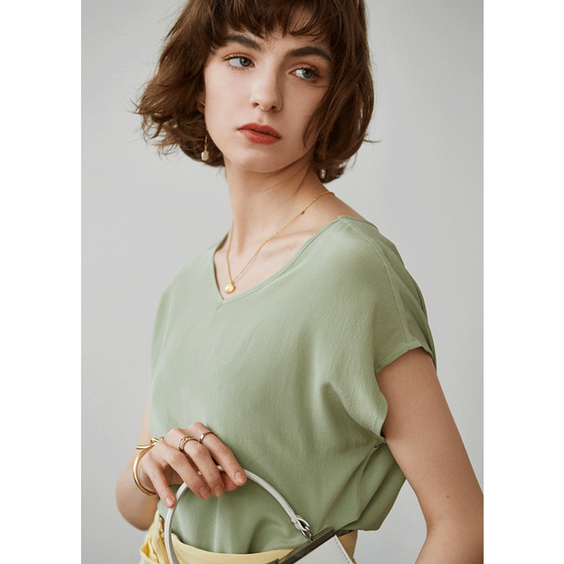 Jade Short Sleeve V-neck Silk Tee丨Unisize、Real Silk Life