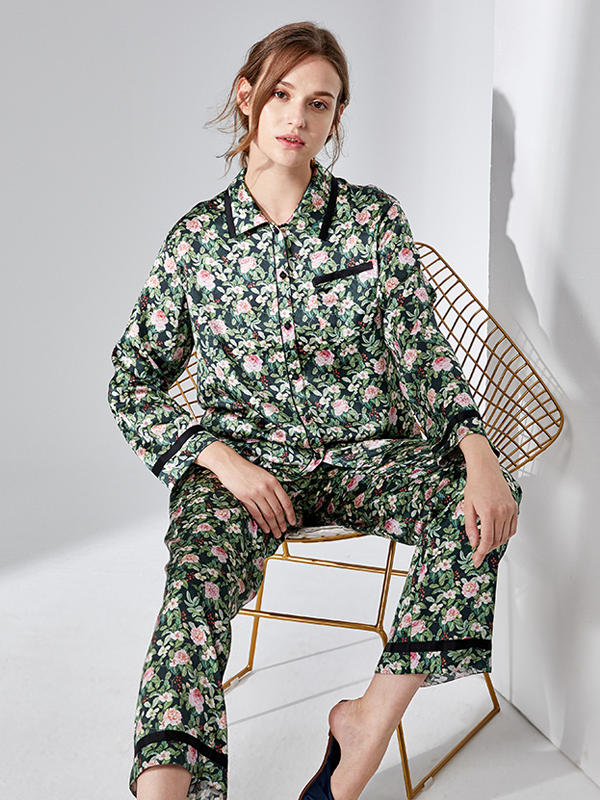 Silk Pajamas Set With Fancy Pattern、Real Silk Life