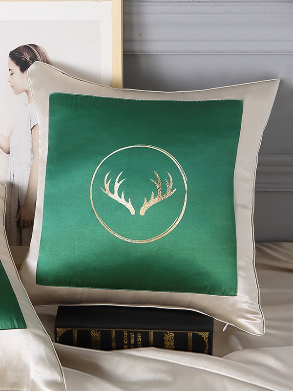 Reindeer Printed Decorative Silk Cushion European Pillowcase、RealSilkLife