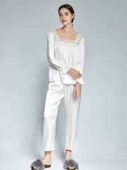 Elegant White Silk Pajamas Set With Lace Trim For Women、Real Silk Life