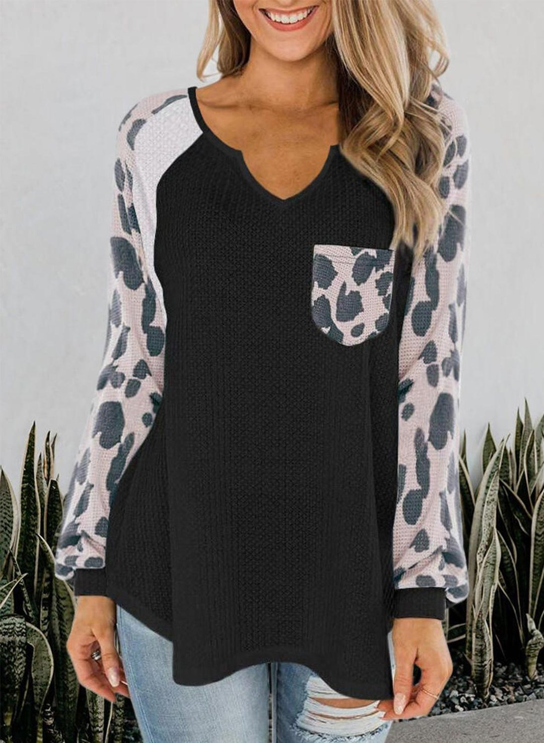 Black Leopard Long Sleeve V Neck Loose Regular Blouse LC2513047-2