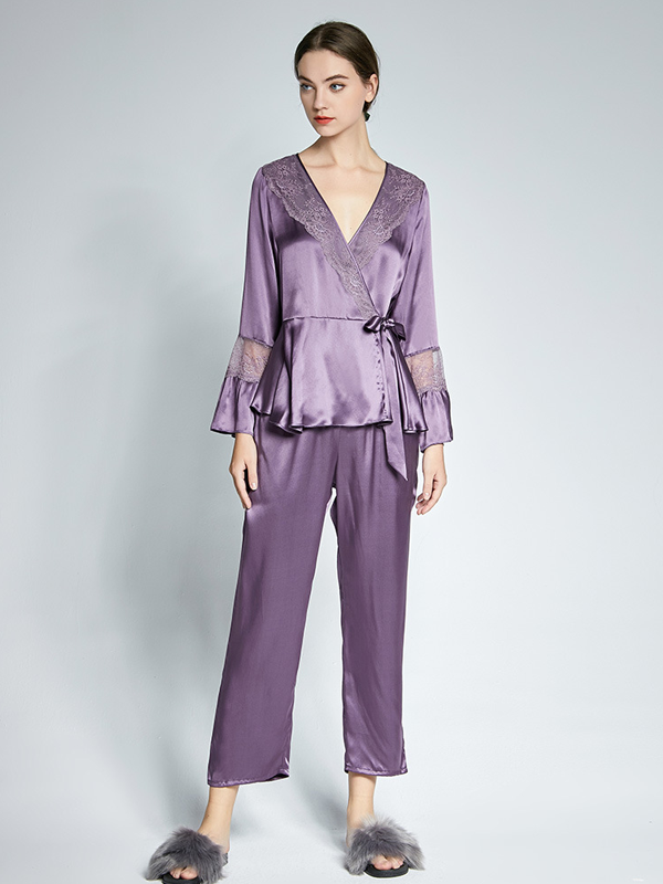 Graceful V Neck Silk Pajamas Set With Lace For Women