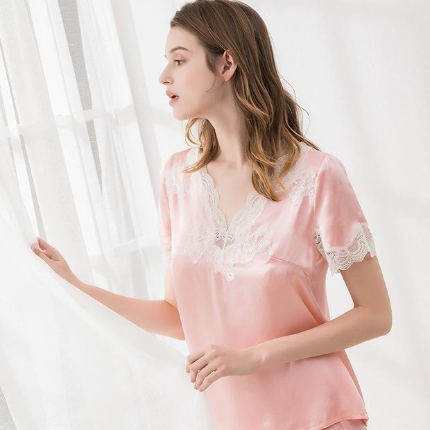 22 Momme High Quality Lovely Pink Lace Silk Pajamas Set、Real Silk Life