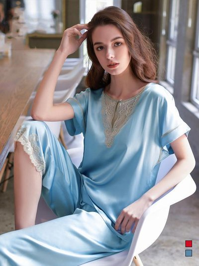 19 Momme Women's Lacey Sky Blue Silk Pajamas Set、Real Silk Life
