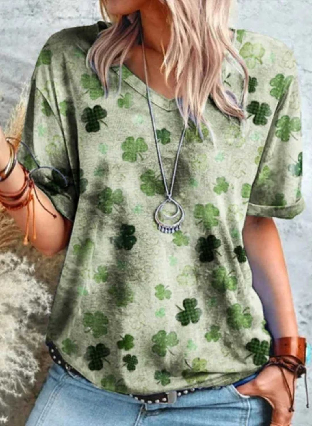 Green Women's T-shirts Color Block Clover  Print Short Sleeve V Neck Daily T-shirt LC2524542-9