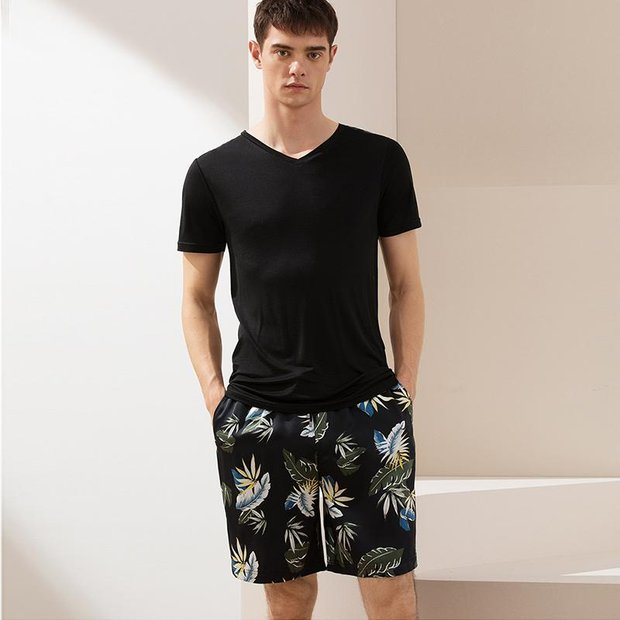 22 Momme Black Printed Silk Short Pant For Men | Could Be Worn Outside、REAL SILK LIFE