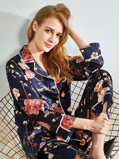 22 Momme High Quality Oriental Flower Designed 2020 Design Silk Pajamas Set、Real Silk Life