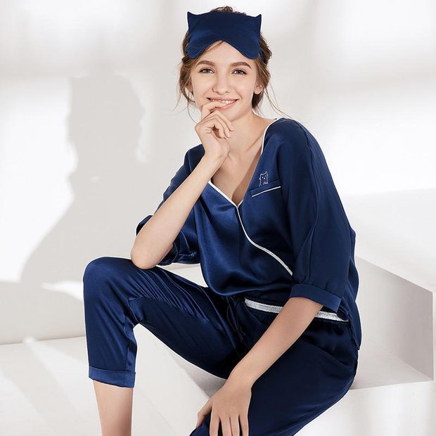 25 Momme Women's Lovely Silk Pajamas Set V Neck、Real Silk Life